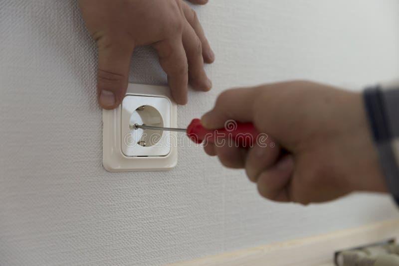 Электрик устанавливает контакт образцы ролика краски стоковые изображения rf