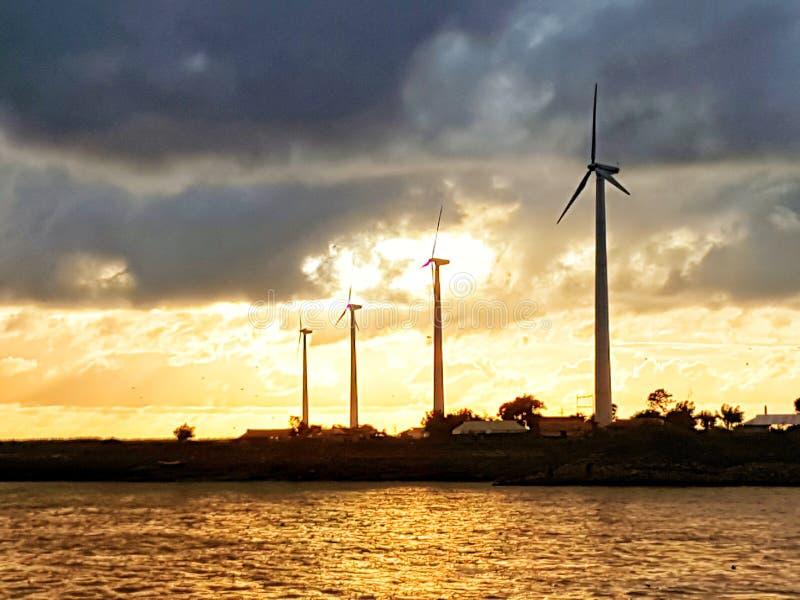 Электрическая станция энергии ветра стоковое фото rf