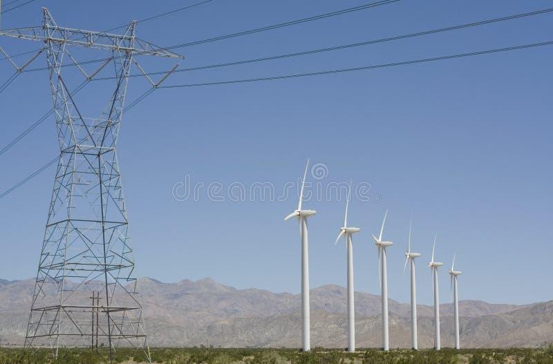 электрический ветер турбин передачи башни стоковые изображения