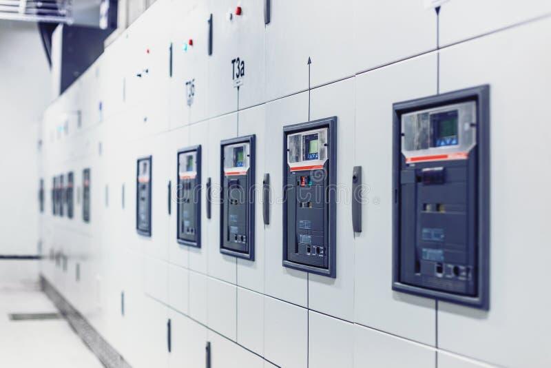 Электрический switchgear, промышленная электрическая панель переключателя стоковое изображение rf