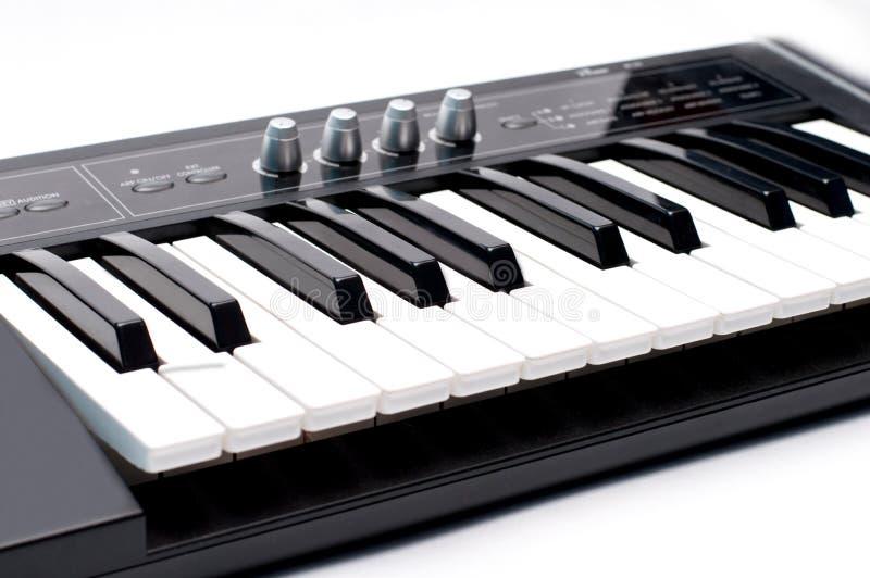 Электронные клавиатура и синтезатор стоковое изображение rf