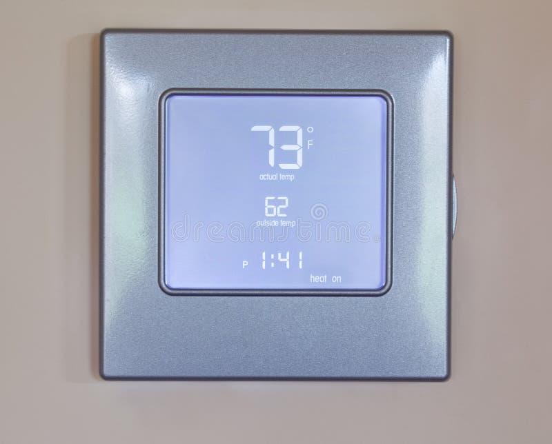 электронный самомоднейший термостат стоковая фотография rf