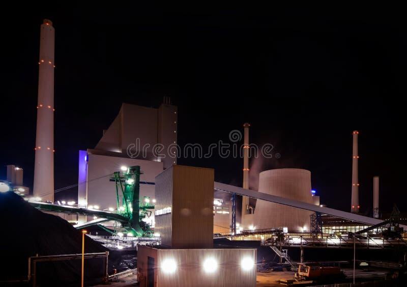 Электростанция, работающая на угле стоковые изображения