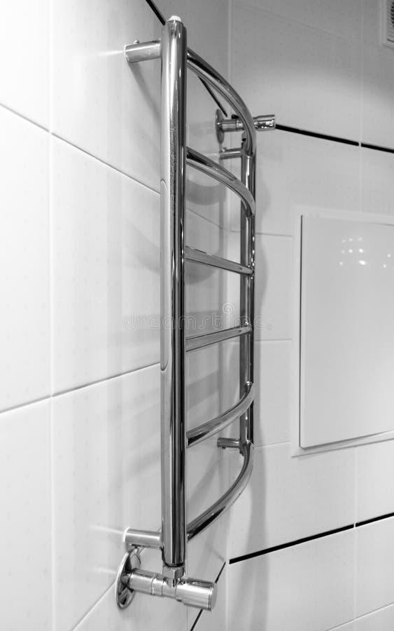 Элементы дизайна bathroom внутренн-современного, детали хрома, части кабины ливня стоковые изображения rf
