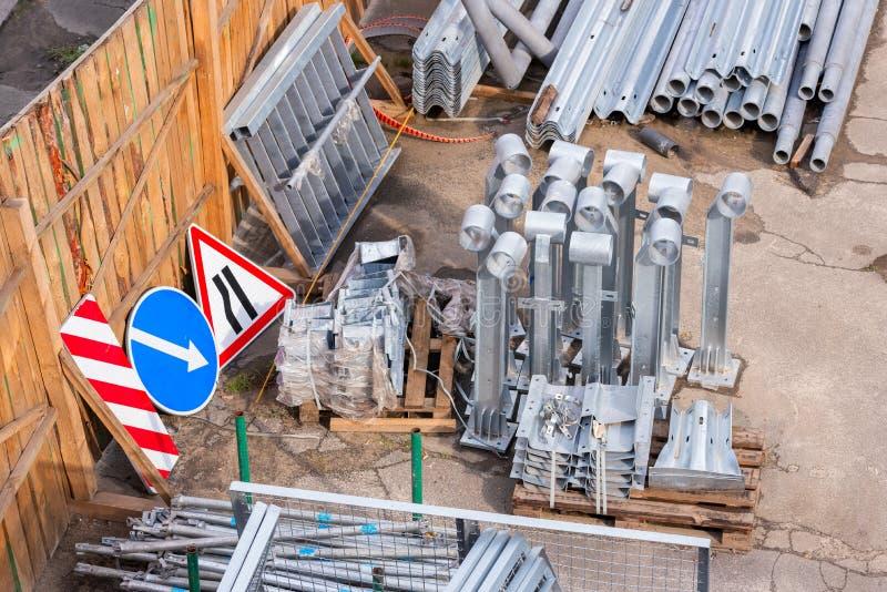 Элементы для замены с ремонтами дороги стоковое изображение