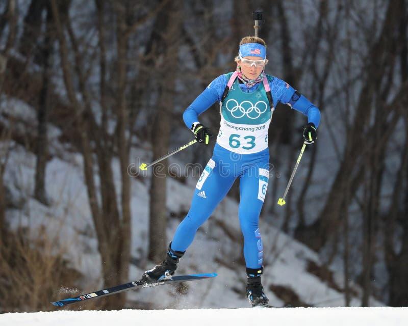Эмили Dreissigacker Соединенных Штатов состязается в индивидуале ` s 15km женщин биатлона на 2018 Олимпиадах зимы стоковое фото rf