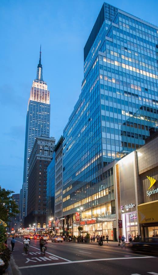 Эмпайр-стейт-билдинг на выравнивать время twilights город manhattan New York США стоковые фото