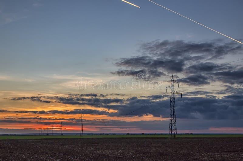Энергетическая промышленность электричества и концепция природы стоковая фотография rf