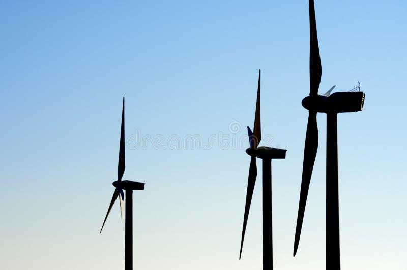 Download Энергия ветра стоковое изображение. изображение насчитывающей профиль - 37929121