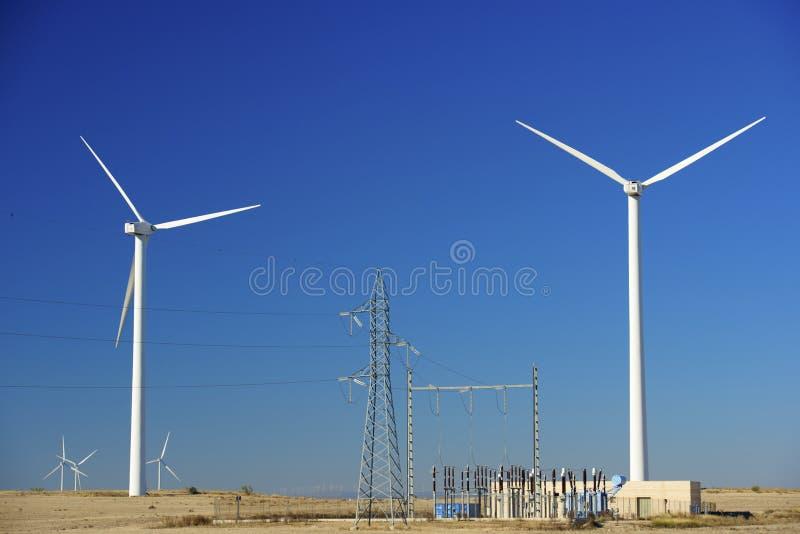Download Энергия ветра стоковое изображение. изображение насчитывающей bluets - 37929373