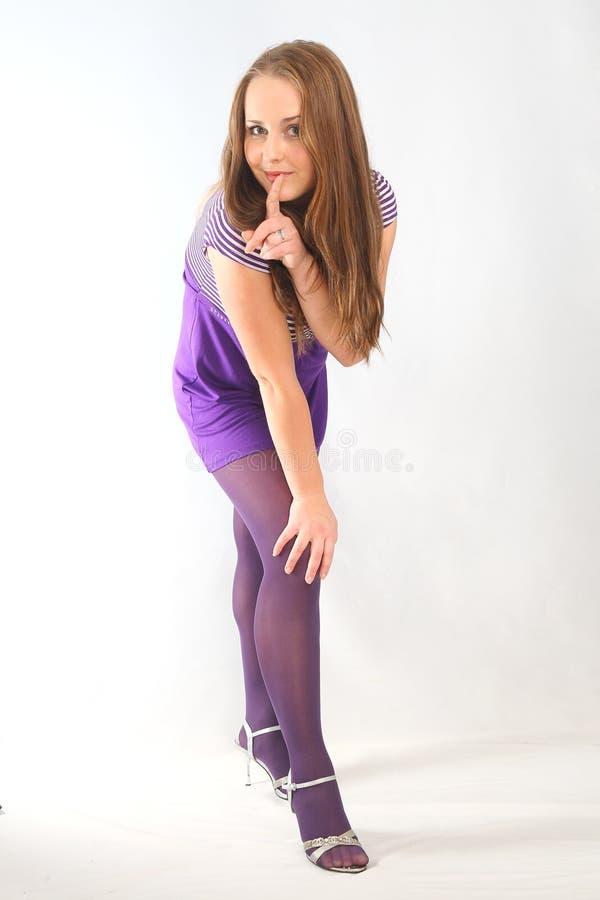 Энигматичный взгляд девушки стоковая фотография rf