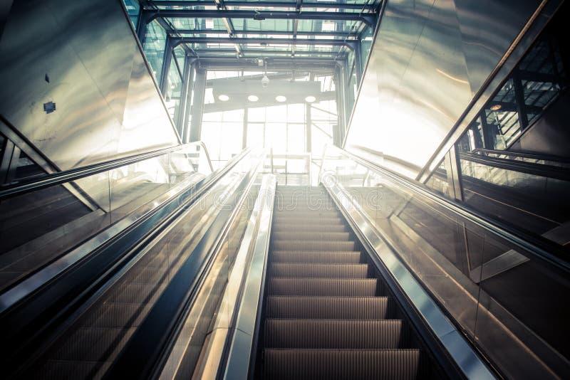 Эскалатор стоковые изображения