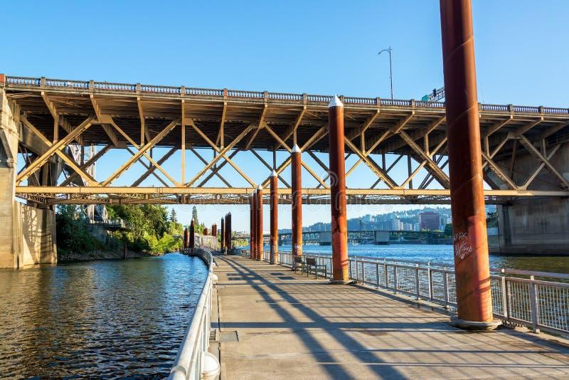 Эспланада Eastbank в Портленде, Орегоне стоковые фото
