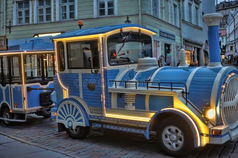 Эстония, Таллин, 12,10,2014 туристских поезда отклонения с eveni стоковое изображение
