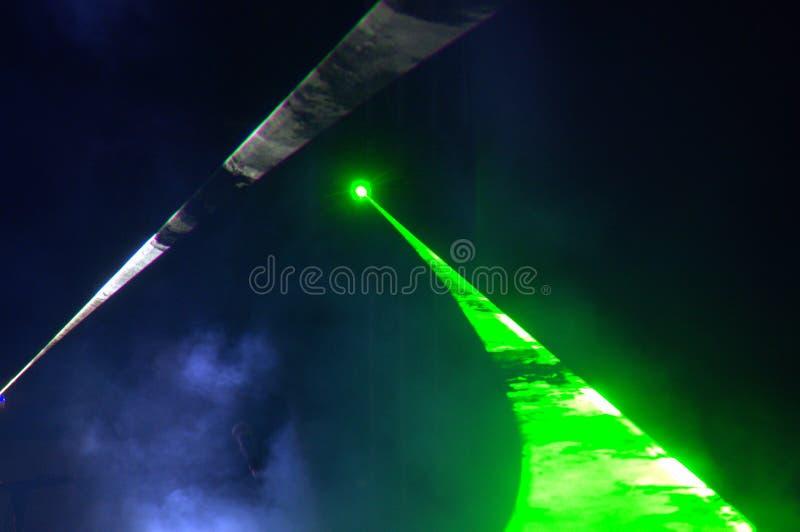 Этап концерта ночи зеленого света стоковое фото rf