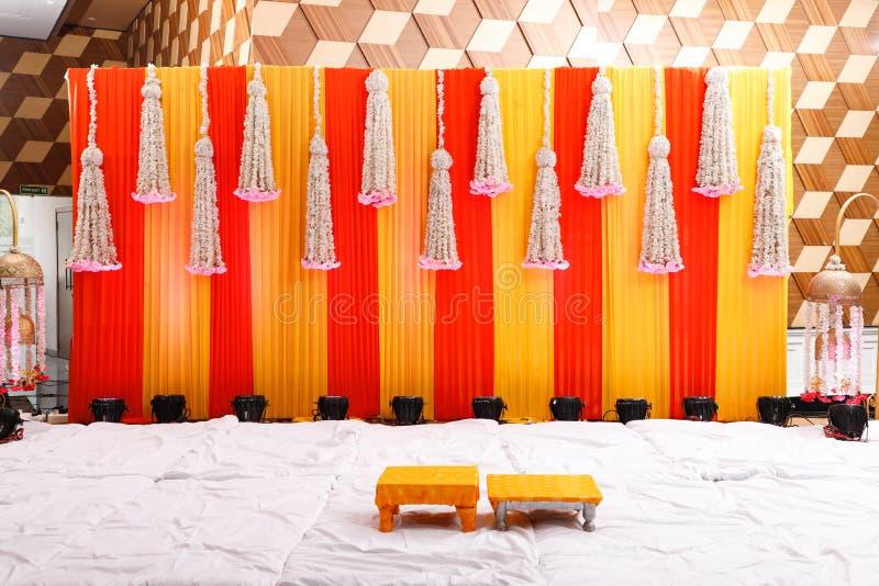 Этап свадьбы цветков конструирует стоковое изображение