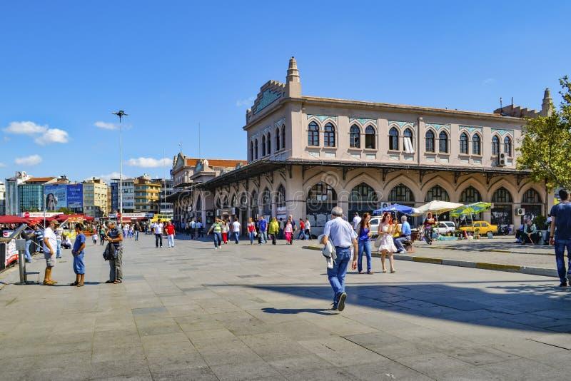 Этап Kadikoy Haldun Taner Стамбул, квадрат пристани Kadikoy стоковое изображение