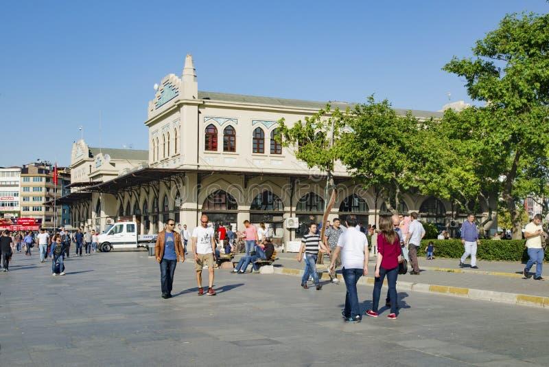 Этап Kadikoy Haldun Taner Стамбул, квадрат пристани Kadikoy стоковая фотография rf