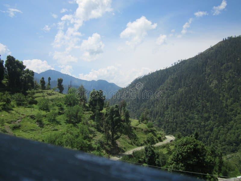 Это индийская дорога с взглядом природы стоковое фото