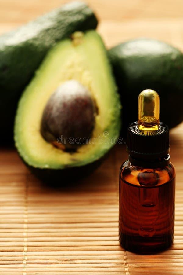 эфирное масло авокадоа стоковое изображение rf