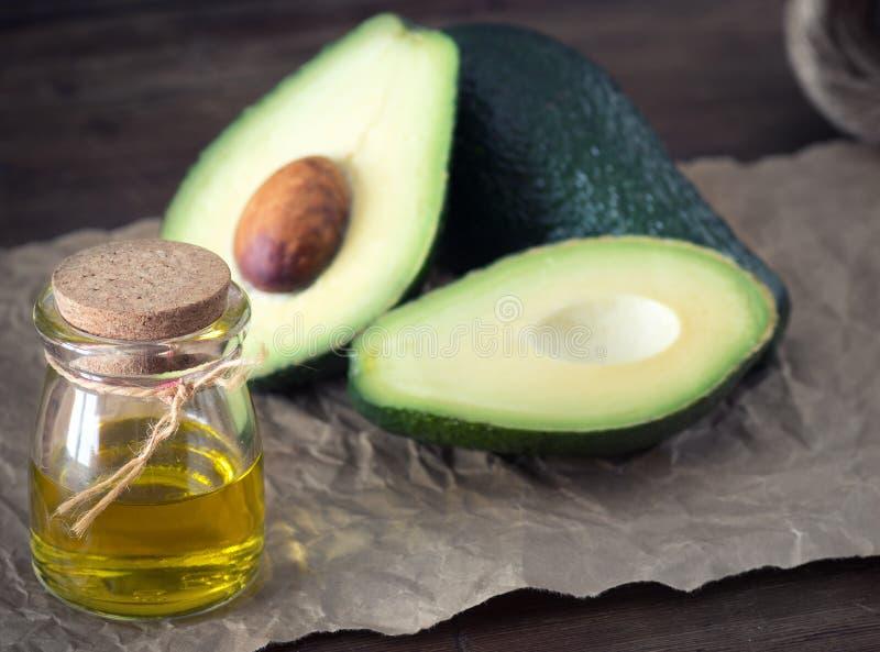 эфирное масло авокадоа стоковые фото