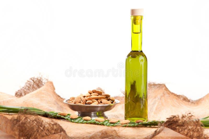 Эфирное масло гаек стоковое фото rf