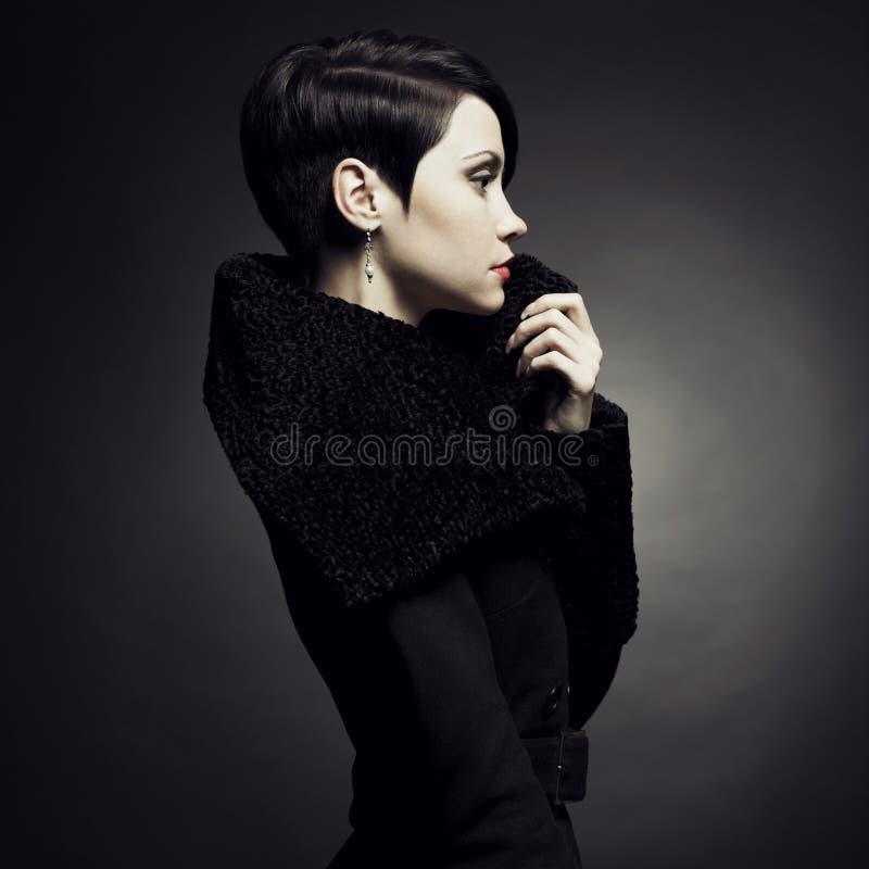 Элегантная дама в пальто стоковое фото rf