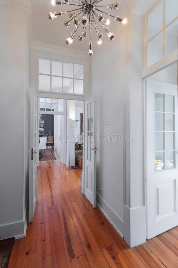 Элегантная винтажная прихожая интерьеров дома стоковые изображения rf