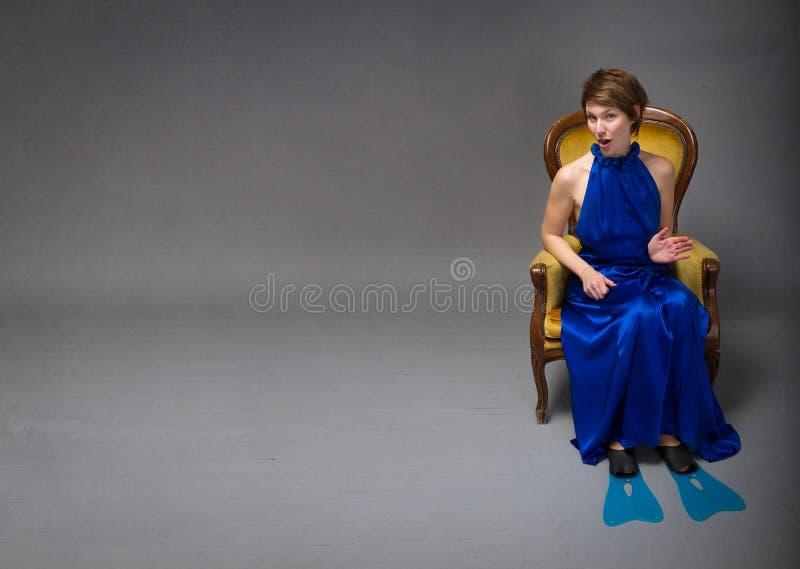 Элегантная женщина готовая для спорта лета стоковое изображение