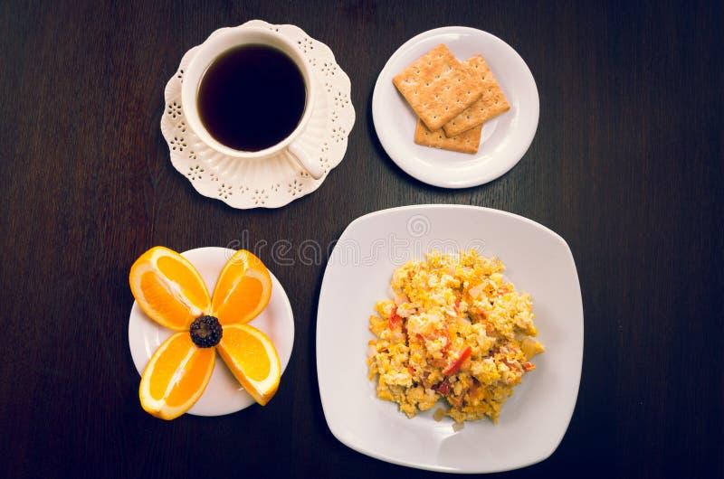 Элегантная концепция завтрака увиденная сверху, кофе стоковые фотографии rf