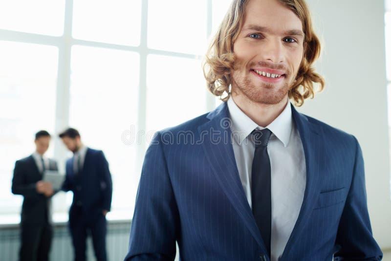 Элегантный мужской руководитель стоковое изображение