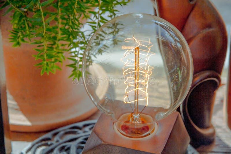 Электрическая электрическая лампочка стоковое фото rf