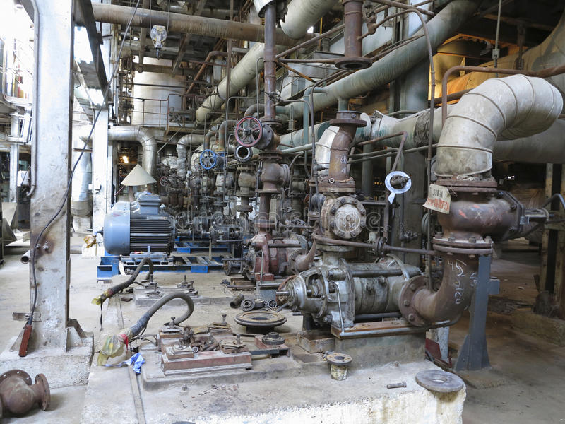 Электрические двигатели управляя промышленными водяными помпами во время ремонта стоковые изображения rf