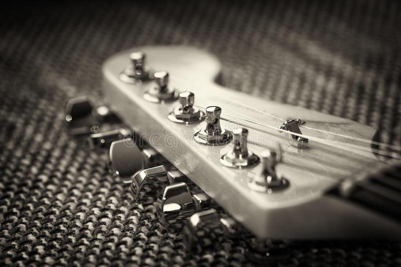 Электрический крупный план headstock гитары стоковое изображение rf