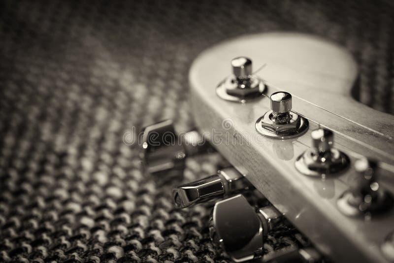 Электрический крупный план headstock гитары стоковая фотография rf