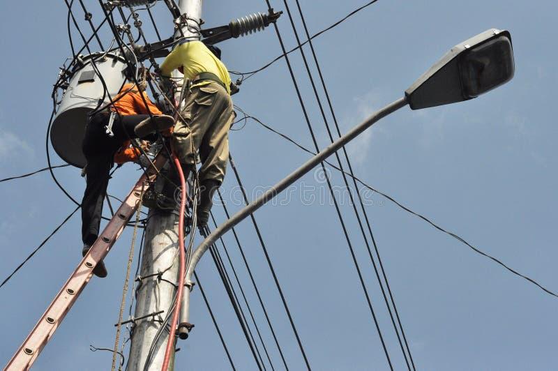 электрический работник стоковые изображения
