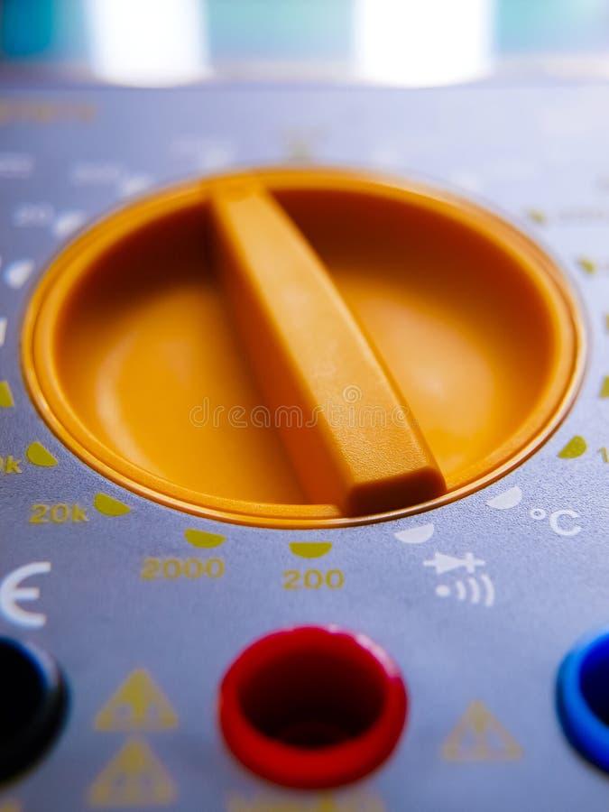 Download Электрический электронный вольтамперомметр Стоковое Фото - изображение насчитывающей экран, электронно: 41654578