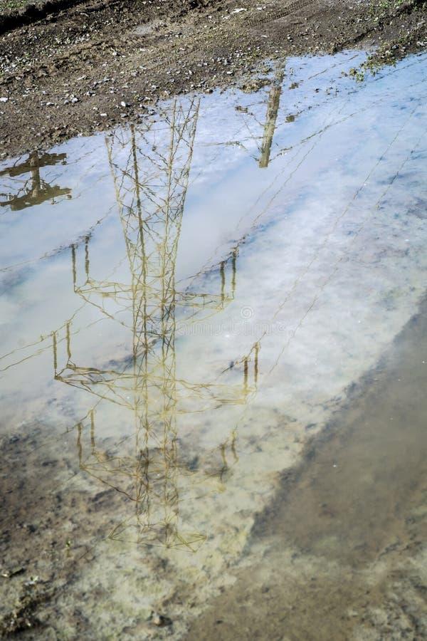 Электрическое отражение опоры стоковое изображение