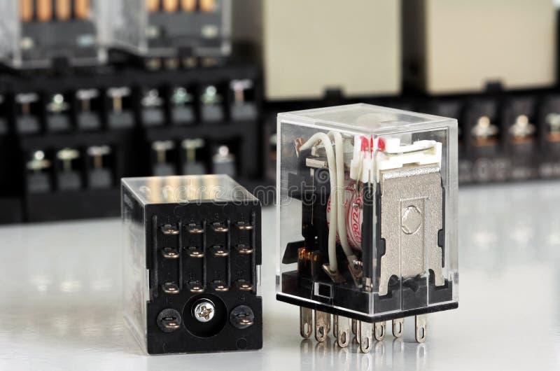 Электрическое промежуточное реле стоковые фотографии rf
