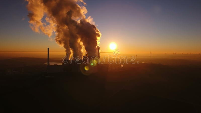 Электростанция бурого угля видеоматериал