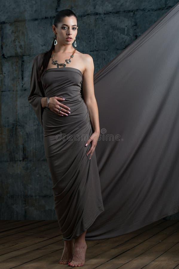 Ювелирные изделия и accesso носки фотомодели портрета стильные дизайнерские стоковое фото rf