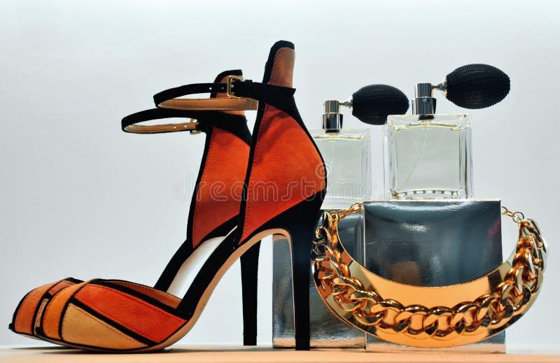 Ювелирные изделия и дух ботинка стоковые фото