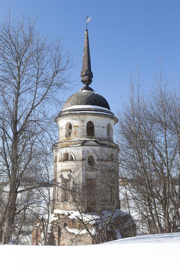 Югозападный монастырь Sumorin спасителя башни Totma, зона Vologda, Россия стоковая фотография