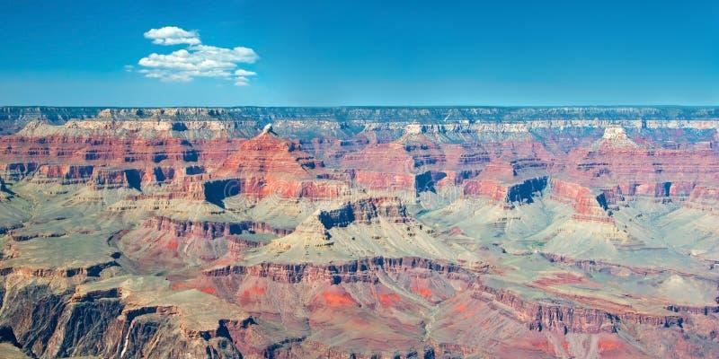 Южная оправа гранд-каньона в панораме Аризоны стоковые изображения rf