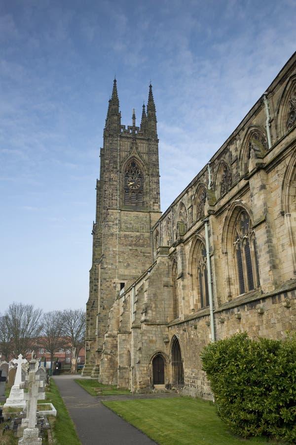 Южная сторона и южная башня монастыря Bridlington, Bridlington, восточного катания, Йоркшира, Великобритании - марта 2014 стоковые изображения