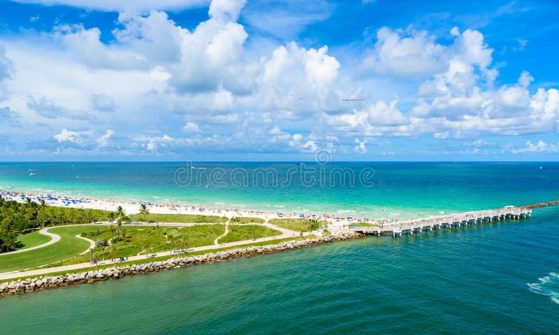 Южные парк и пристань Pointe на южном пляже, Miami Beach r Рай и тропическое побережье Флориды, США стоковые изображения