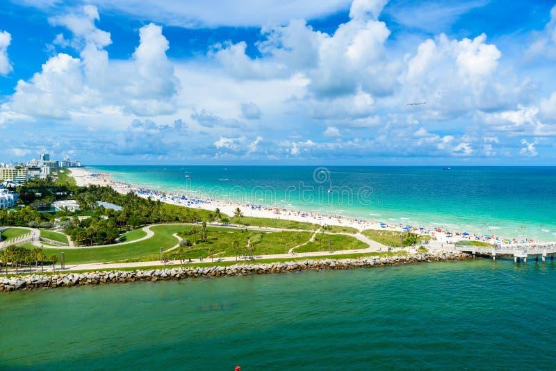Южные парк и пристань Pointe на южном пляже, Miami Beach r Рай и тропическое побережье Флориды, США стоковая фотография rf