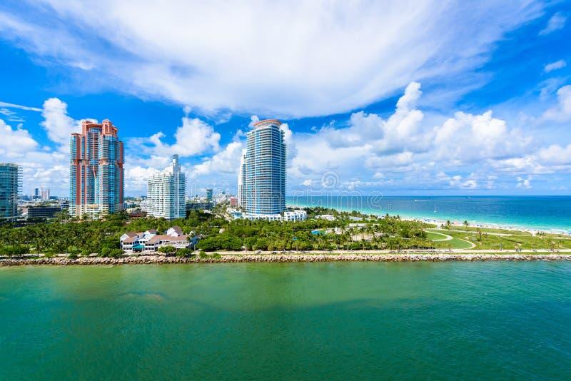 Южные парк и пристань Pointe на южном пляже, Miami Beach r Рай и тропическое побережье Флориды, США стоковые фотографии rf