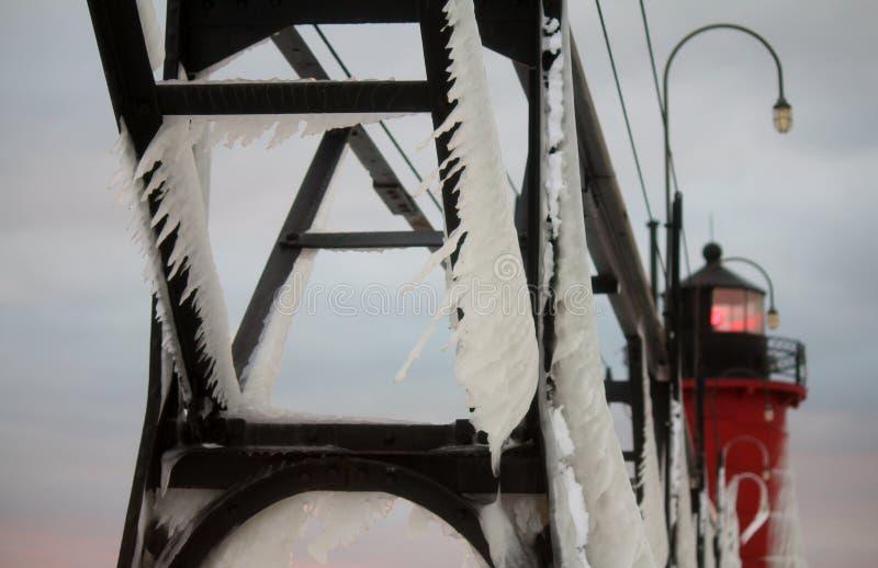 Южный маяк зимы Мичигана гавани стоковое изображение