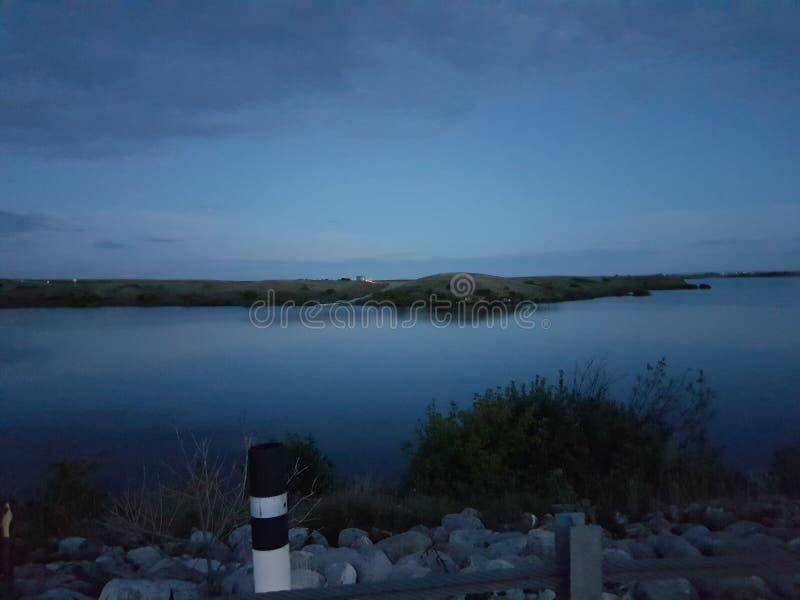 люди озера рыболовства шлюпки стоковое изображение rf
